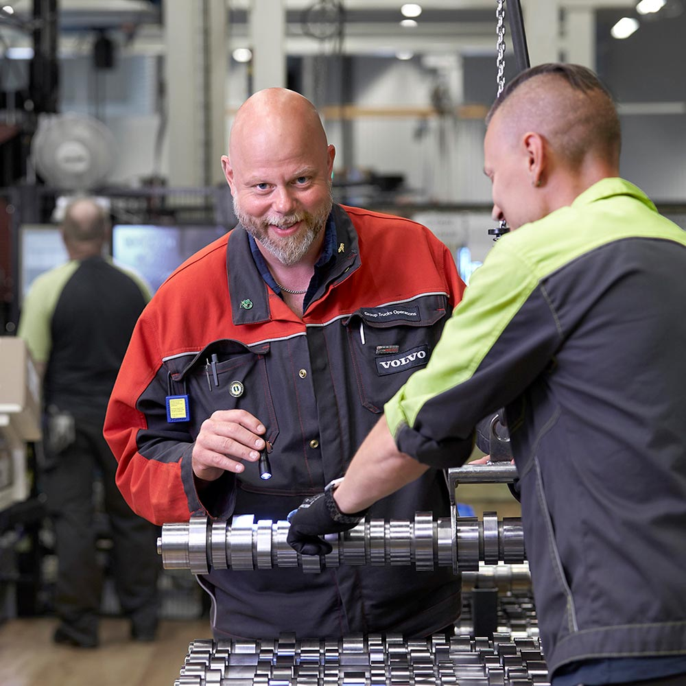 Generations meet at Volvo's engine plant in Skövde