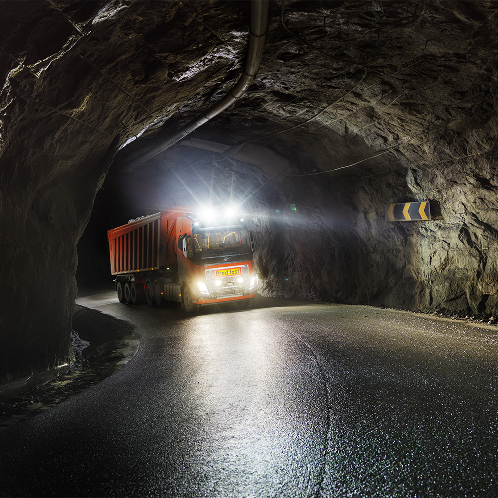 Volvo FH in a tunnel