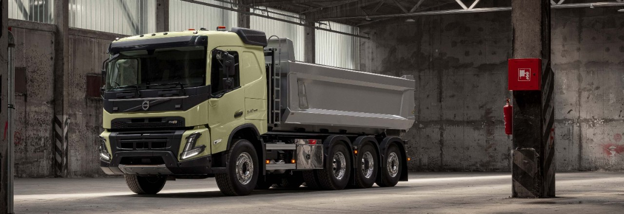 Tailor the powertrain for your Volvo FMX and your operation.